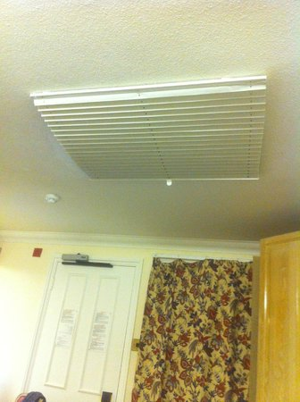 The Gresham Hotel: The blind in the ceiling