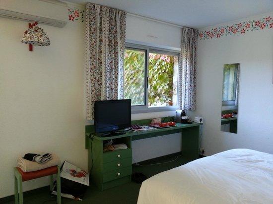 Hotel Lou Paradou: Côté bureau