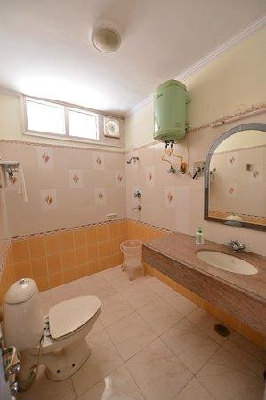 Gauriyya Tourist Complex Motel: Bathroom