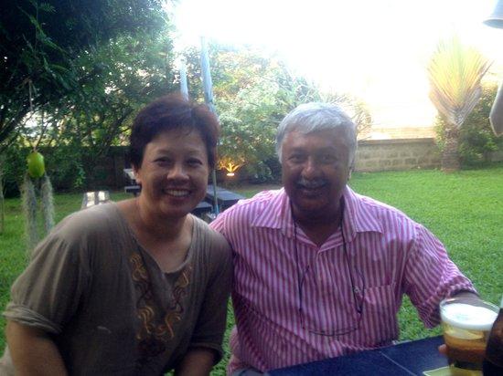 Varada Place: Das superfreundliche Management: Varada und Abe