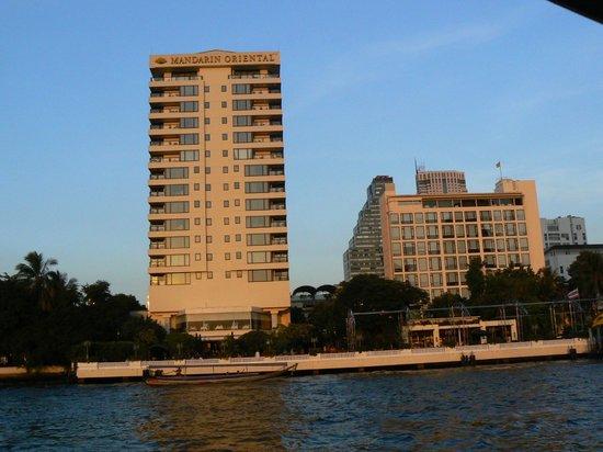 Mandarin Oriental, Bangkok: Hotel seen from the River