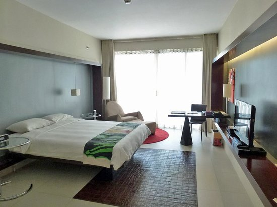 The Picasso Boutique Serviced Residences: Bright & Spacious