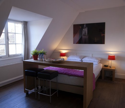 Lange Jan Hotel: Roze kamer