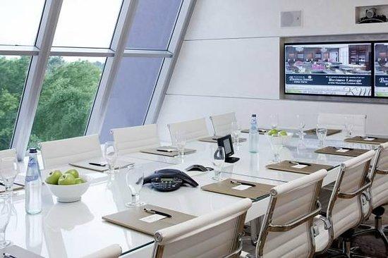 Kfar Maccabiah Hotel & Suites: Meetings room