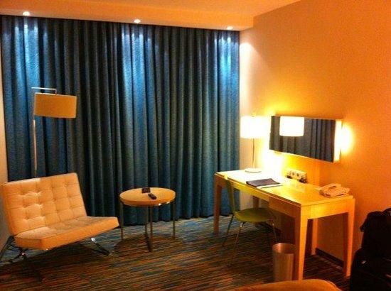 Radisson Blu Hotel, Hamburg Airport: Work desk