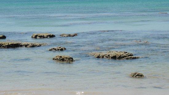 Moonwalk Lanta Resort : камни при отливе