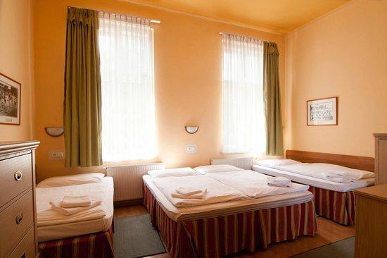 Csaszar Hotel: room