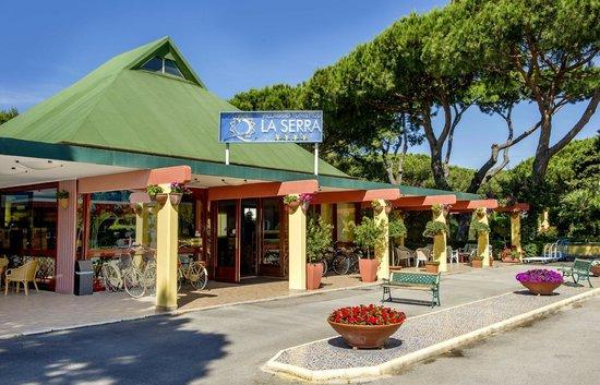 La Serra Holiday Village & Beach Resort