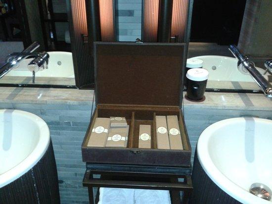 Castle Golf Hotel: Bathroom