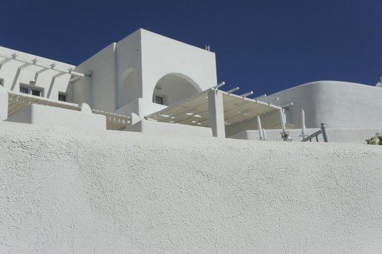 Rocabella Santorini Hotel & Spa: one of many rooms