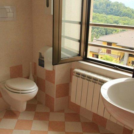 Ostello il Sentiero: Bagno privato in ogni camera