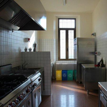 Ostello il Sentiero: Ampia e funzionale cucina