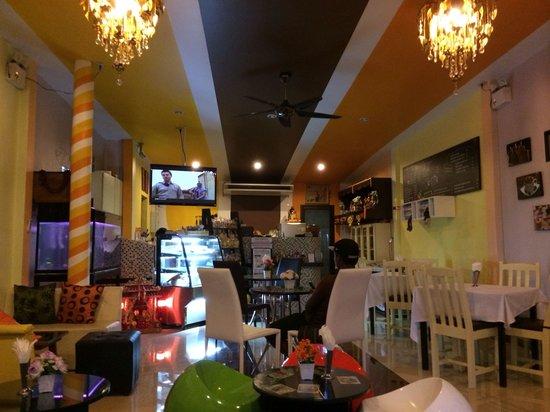 Mr Tan Coffee House : Im Café