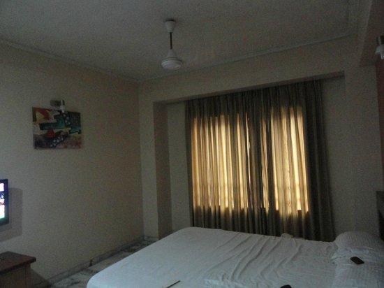 Hotel President: Room