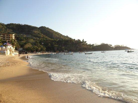 Costa Sur Resort & Spa : пляж