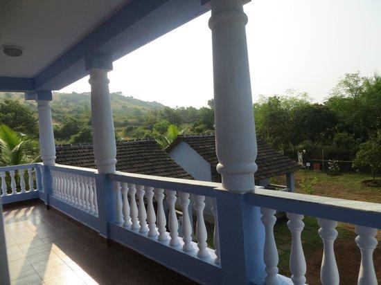 Avalon Inn : View - East side