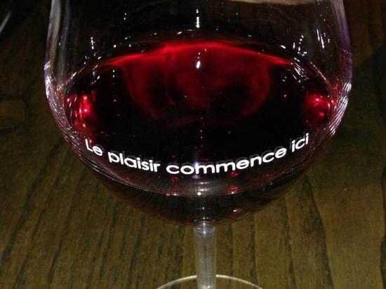 Cote Cuisine: O vinho estava fresco e muito bom!