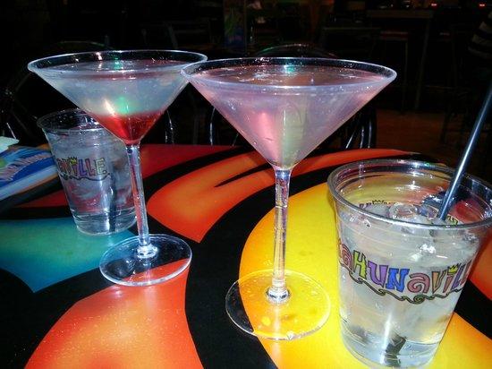 Kahunaville : Blood Drop Martini and Passionapolitan...Mmmmmmm!
