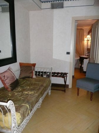 Algila Ortigia Charme Hotel: Our sitting room
