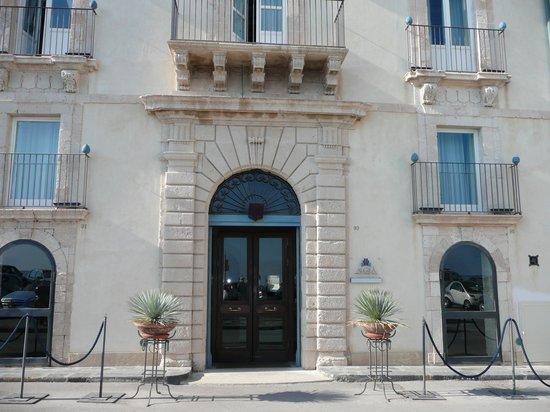 Algila Ortigia Charme Hotel: Hotel exterior