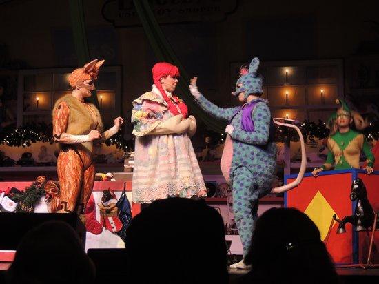 Starlite Theatre : Costumes were GREAT