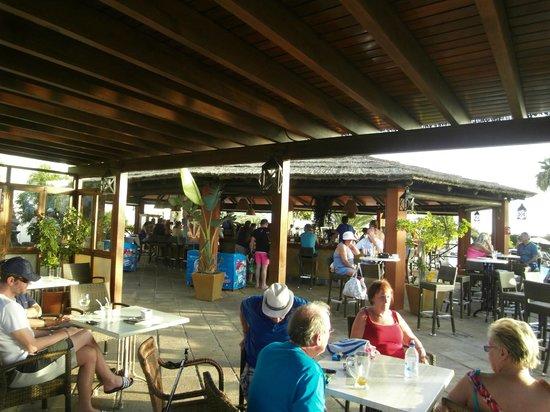 Gran Castillo Tagoro Family & Fun Playa Blanca: pool bar