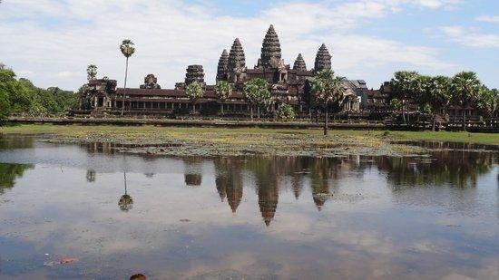 Angkor Tour Guide Day Tours : Angkor wat
