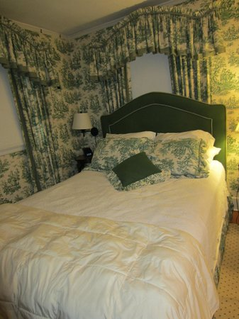 Pinecrest Bed and Breakfast: Bedroom