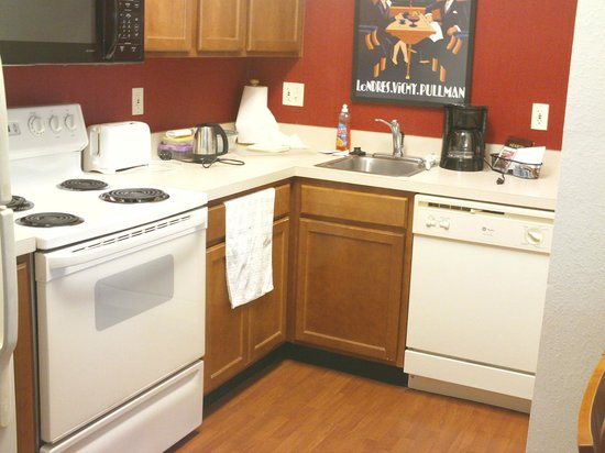 Residence Inn Orlando at SeaWorld : Kitchen of a 2 bedroom suit