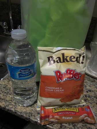 Holiday Inn Express - Los Angeles Downtown West: Some snacks and water