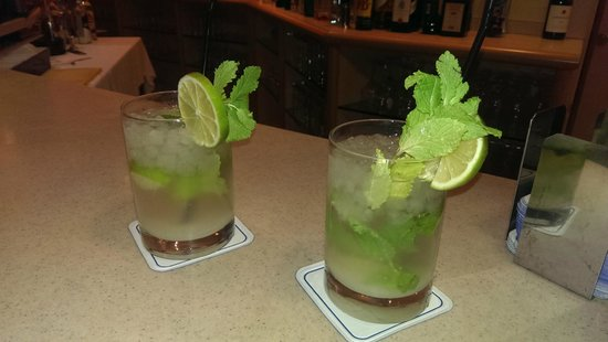 AR Diamante Beach SPA Hotel & Convention Centre: MOJITOS, BUENISIMOS