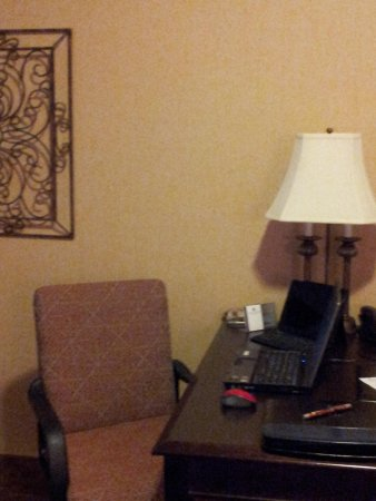 Oxford Suites Boise: Get work... lightening fast free wifi