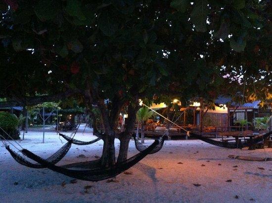V-View Beach Resort: Blick zum Restaurant (Meerseite)