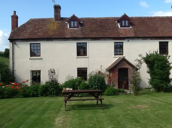 Coombe Keynes, UK: The Farmhouse
