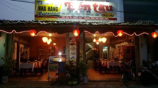 Nhà hàng Bến Tàu