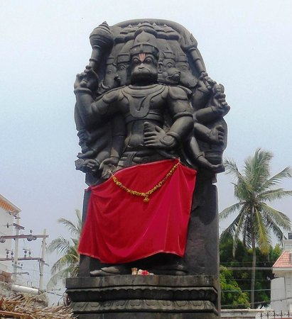Рамесварам, Индия: Statue of Five Gods faced Lord Hanuman -known as Panchmukhi Hanuman.