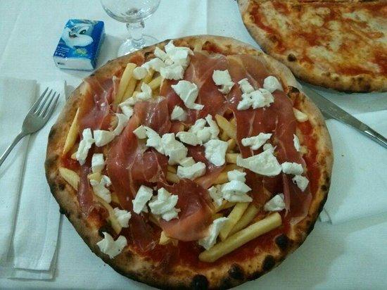 """Pizza """"la pergola"""""""