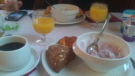 Hotel a la Grande Cloche: Breakfast