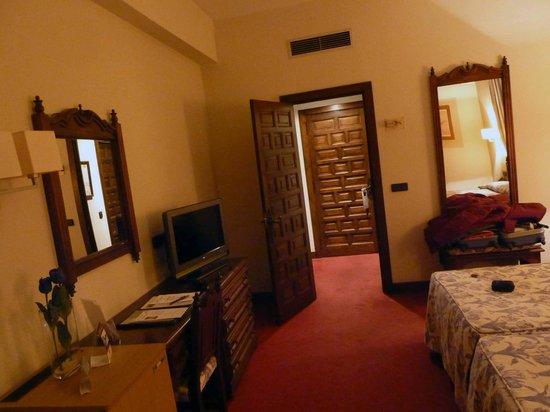 Hotel Los Agustinos : habitacion
