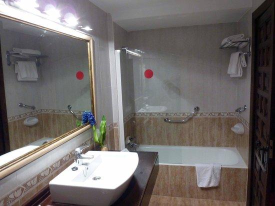Hotel Los Agustinos : baño