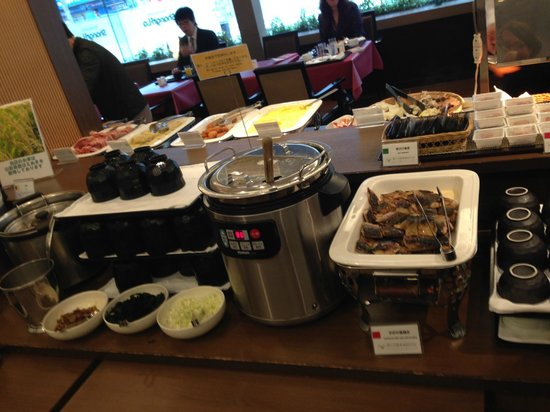 Shinbashi Atagoyama Tokyu REI Hotel : soupe - petit déjeuner