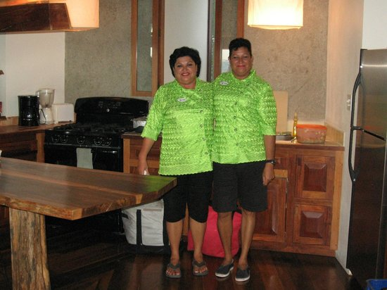 La Perla Del Caribe: The Chefs of Belize - our dear Delsia and Norma