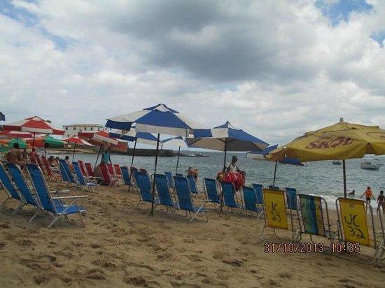 Grande Hotel Da Barra: Esta é a praia em frente ao hotel(8 horas da manha)