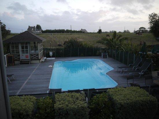 Hotel Le Chatellier : Бассейн