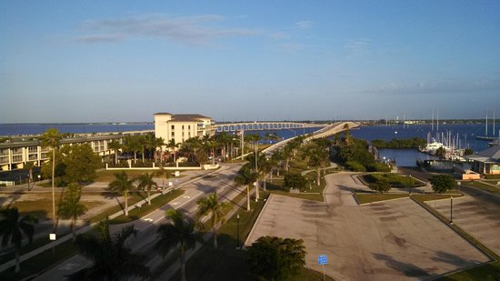 The Wyvern Hotel Punta Gorda: A view from the rooftop pool/bar