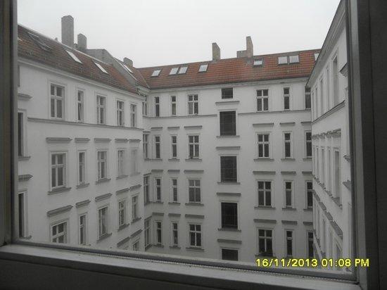 Hotel & Hostel Friedrichshain: Il cortile