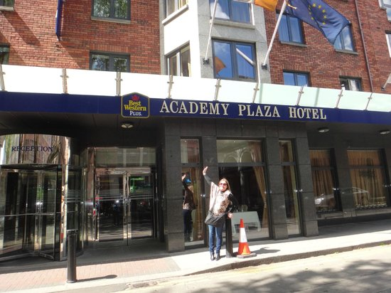 BEST WESTERN PLUS Academy Plaza Hotel: Hotel
