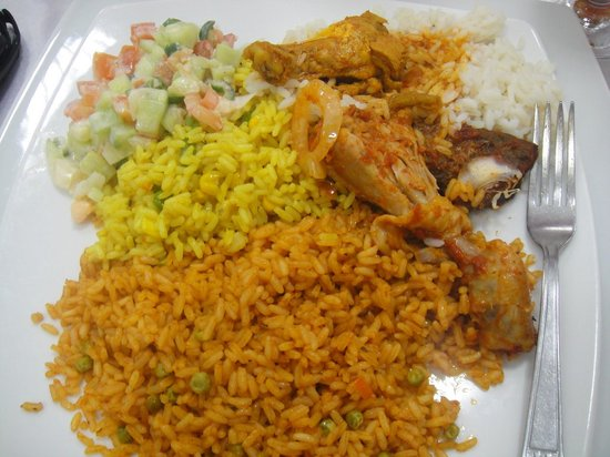 Jollof Cafe: Jollof / Fried Rice with Salad and Chicken