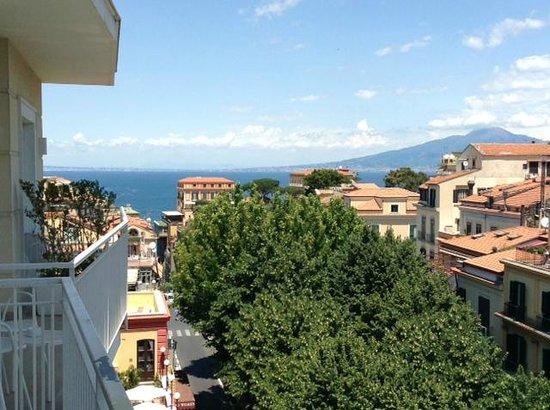Hotel Plaza: 5th floor balcony view