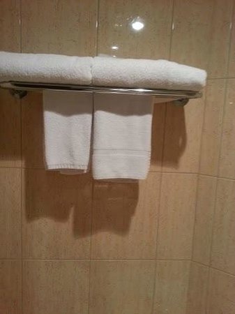 Adelaide Rockford: Towels